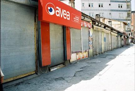 magasins fermés - Yuksekova (photo anne guezengar)