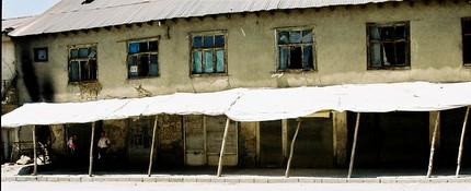 magasins fermés, yûksekova (photo anne guezengar)