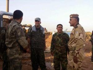 Peshmergas et PKK/ PYD à Rabia (Kurdistan irakien)