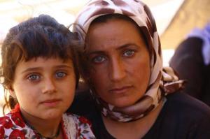 mère et enfant yézidies réfugiées